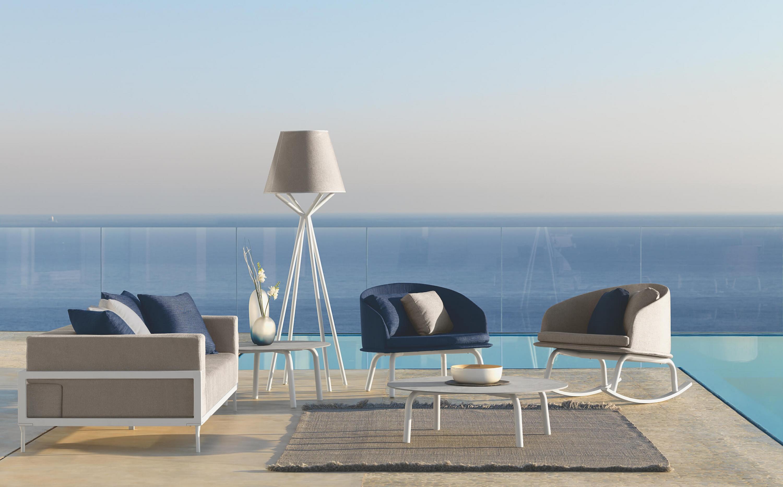 Table basse de jardin ronde avec plateau en céramique de la ...